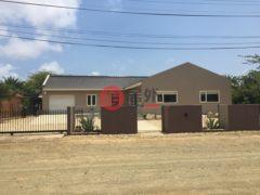 居外网在售荷兰加勒比区3卧2卫的房产总占地1096平方米USD 339,000