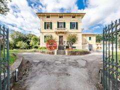 居外网在售意大利Lucca的独栋别墅总占地60000平方米EUR 2,500,000