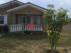 居外网在售牙买加法爾茅斯2卧2卫的房产USD 745 / 月