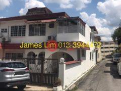居外网在售马来西亚八打灵再也4卧3卫的房产总占地150平方米MYR 880,000