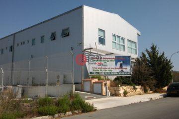 居外网在售塞浦路斯TrimithousaEUR 2,700,000总占地1650平方米的商业地产