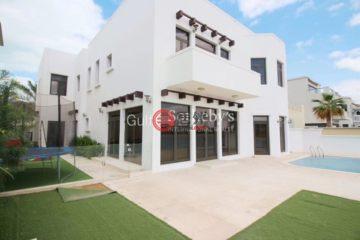 居外网在售阿联酋4卧5卫特别设计建筑的房产总占地500平方米AED 4,250,000