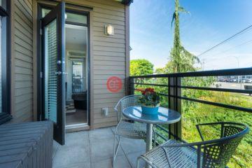 居外网在售加拿大2卧1卫原装保留的房产总占地61平方米CAD 344,900