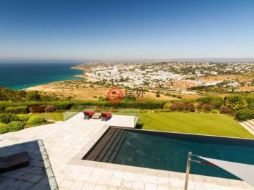 居外网在售葡萄牙拉各斯5卧5卫的房产总占地6216平方米AUD 8,000,000