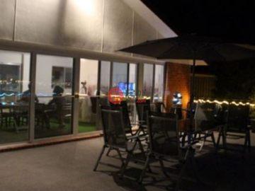 居外网在售澳大利亚5卧3卫曾经整修过的房产总占地928平方米