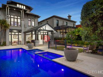 澳洲房产房价_维多利亚州房产房价_Albert Park房产房价_居外网在售澳洲Albert Park6卧4卫历史建筑改造的房产总占地632平方米AUD 11,500,000